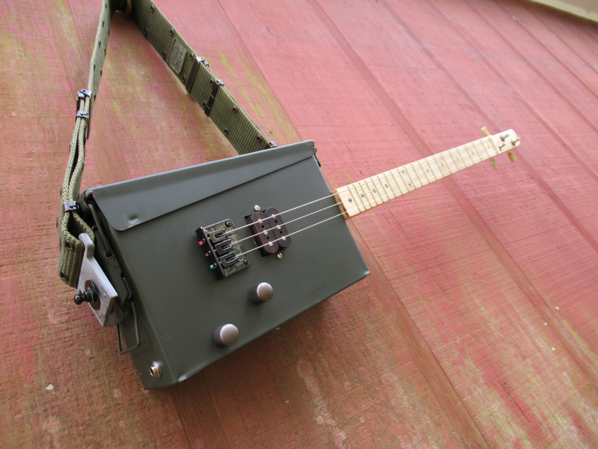 The ACG-1 (Ammo Can Guitar), a Fret Shack custom build.